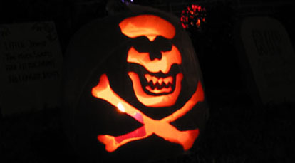Photo of the finished piratical pumpkin